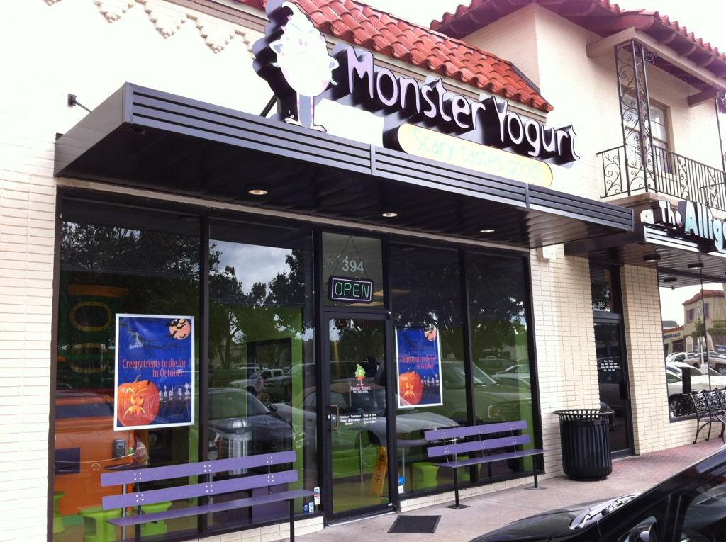 Dallas Moms Blog reviews kid friendly Monster Yogurt