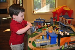 Dallas Moms Blog Toddler Must Haves Train Table