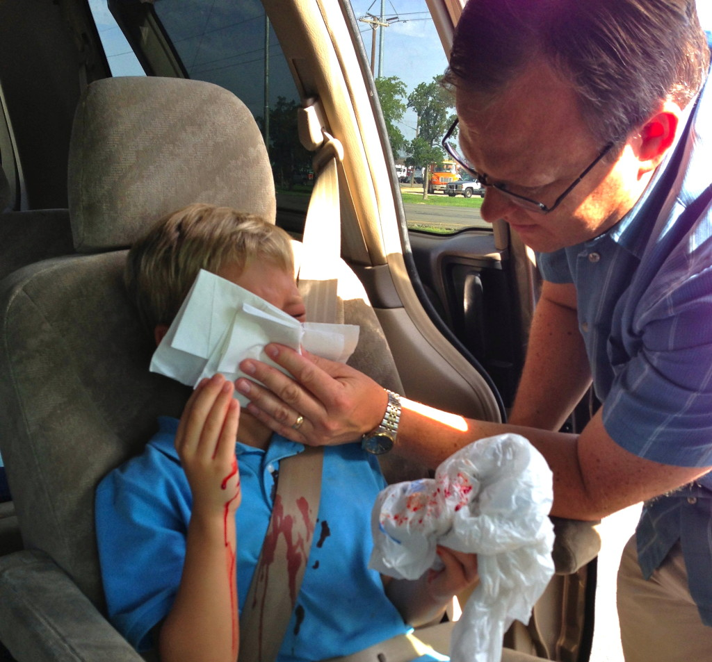 Be Prepared Make A Homemade Emergency First Aid Kit For The Car