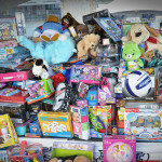 Help Others This Holiday Season: Donate Food or Toys to Dallas Families