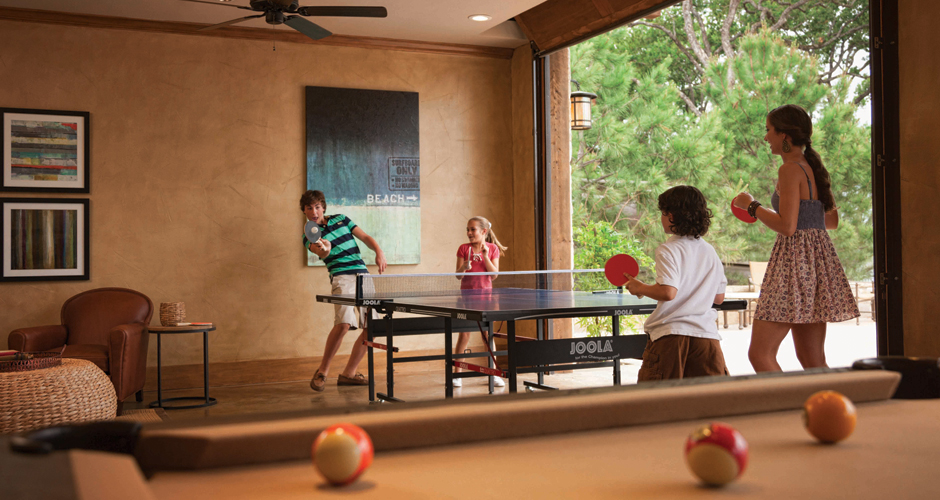 Long Cove Lake Club Game Room