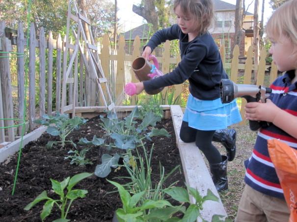 assignthechores_gardening_gabbycullen_dallasmomsblog