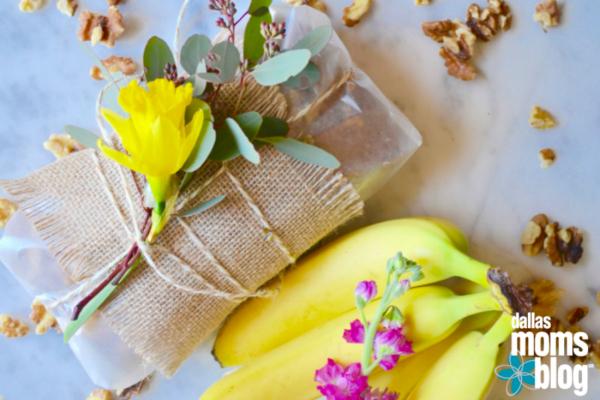 {Fun, Yum & Frills} Banana Bread wrapped in burlap