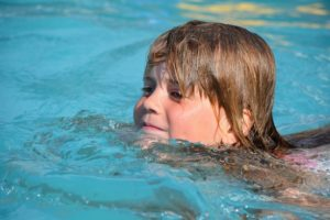 swim-811197_1280 (1)