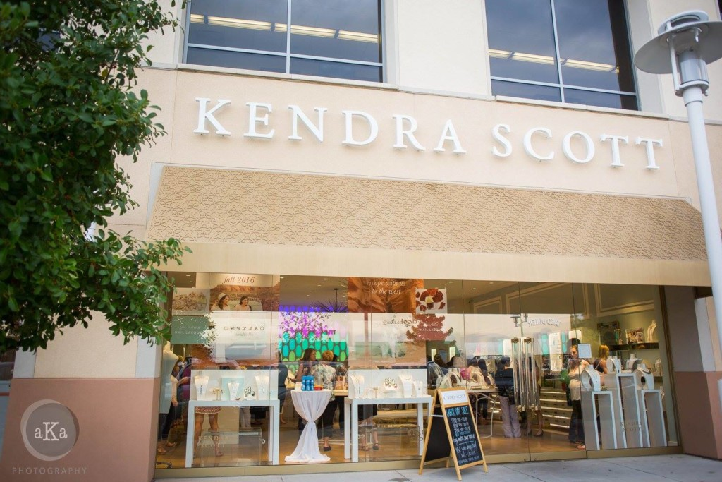 Kendra Scott, The Plaza at Preston Center, Dallas Moms Blog