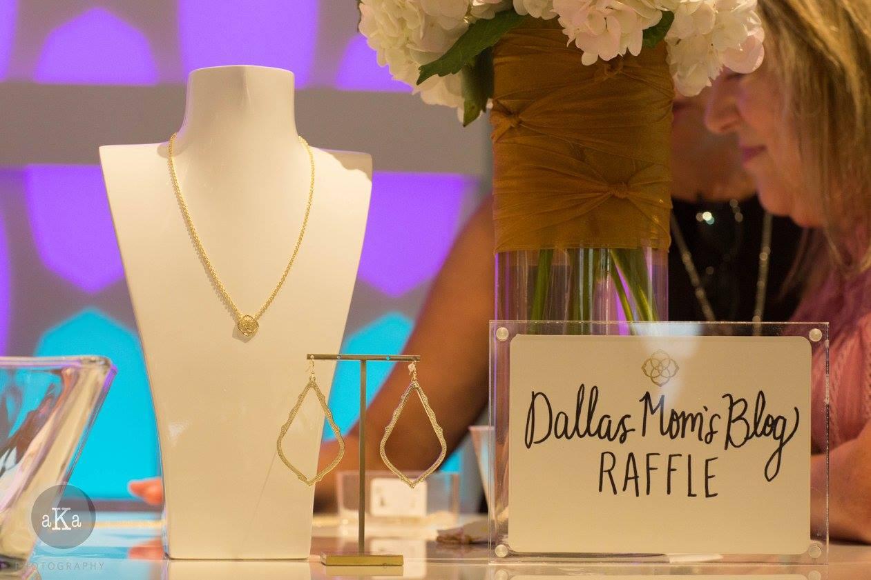 Kendra Scott, Dallas Moms Blog, jewelry giveaway