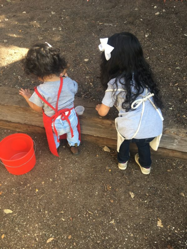 children volunteer at park